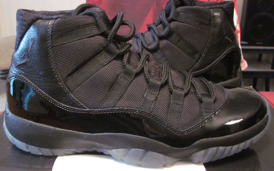 Air jordan 11 blackout